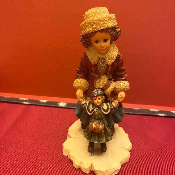 Boyd's Bears figurine